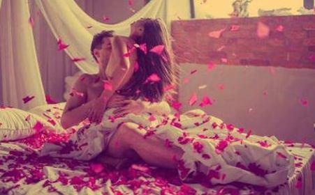 17岁男孩第一次做爱是什么感觉?做爱时男生和女生的感觉一样吗?